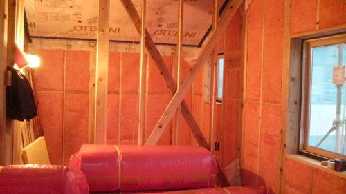 Q1西落合の家:本格的な断熱・気密施工_e0054299_1881344.jpg