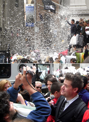 Annual Pillow Fight Day 2009_b0007805_10262169.jpg