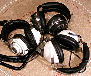 Headphones_e0045459_6482926.jpg