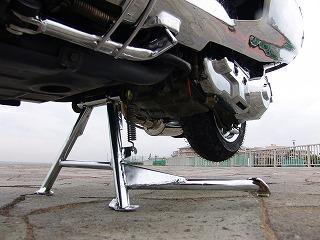 バイクの後輪に降臨した死へのブレーキ_d0061678_1602448.jpg