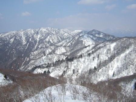 春の山_a0039568_0195291.jpg