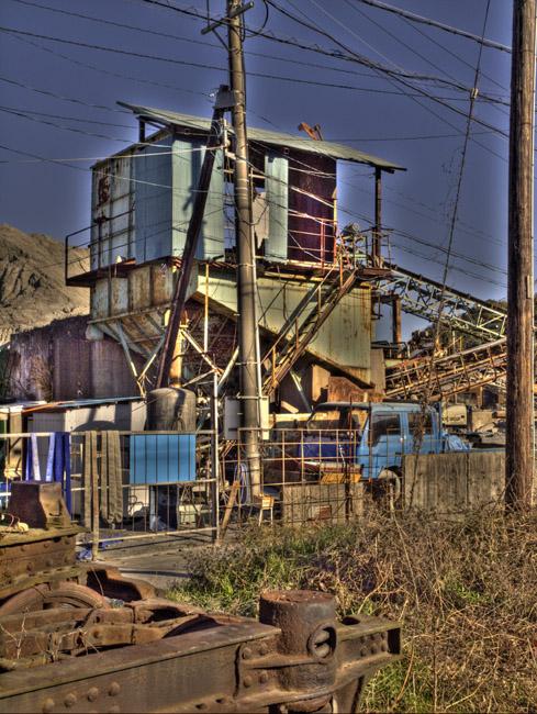 砂利工場。 HDR_d0068664_2283631.jpg