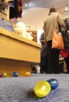 おもちゃ屋さんでイースター・エッグハント Scholastic Store_b0007805_22354781.jpg