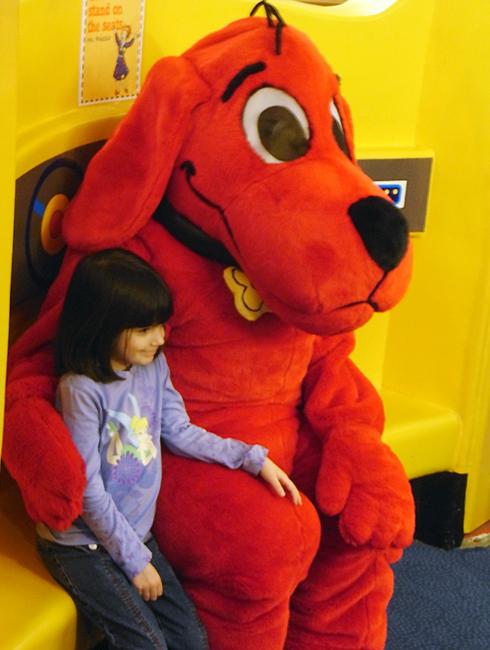 おもちゃ屋さんでイースター・エッグハント Scholastic Store_b0007805_2315948.jpg