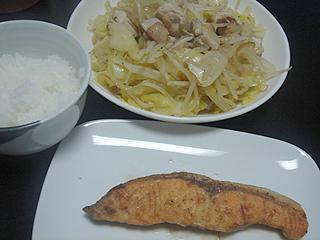焼鮭と鶏肉野菜炒め_c0025217_0193741.jpg