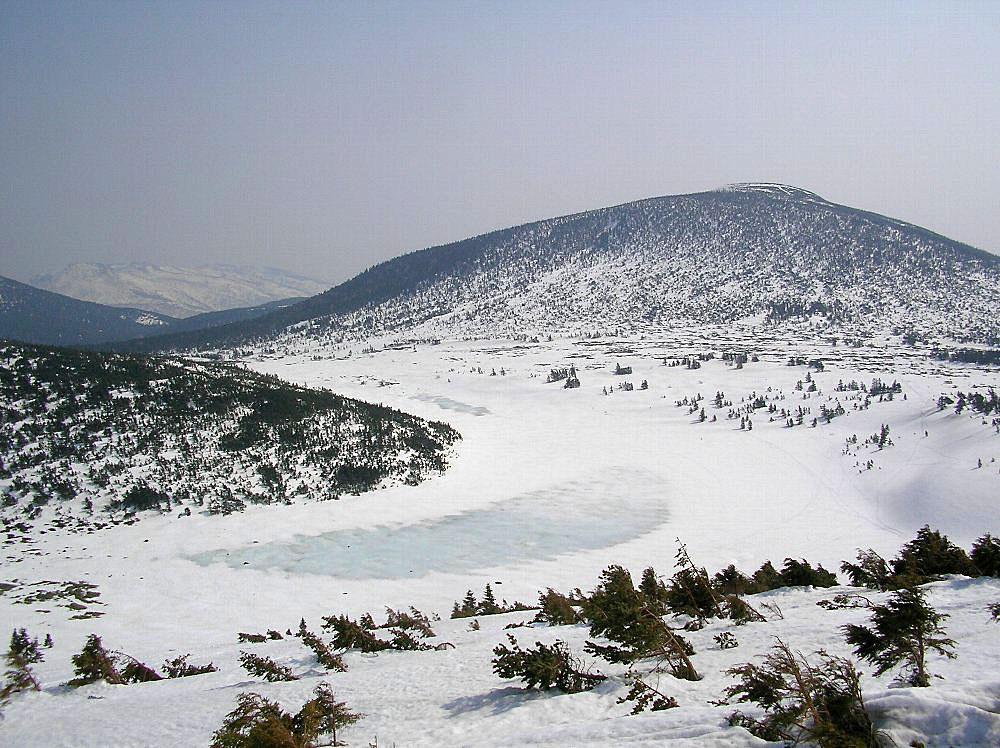 一切経山 ~ 2009年4月11日_f0170180_16112916.jpg