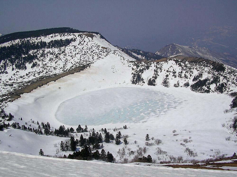 一切経山 ~ 2009年4月11日_f0170180_1611979.jpg