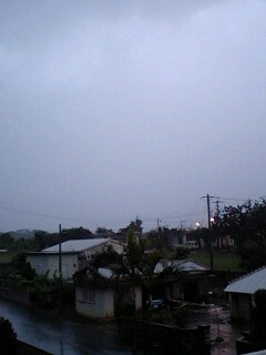 大雨・雷の日は何をして遊ぼうか_e0131462_731099.jpg