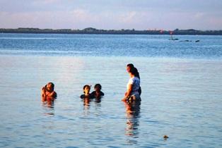 海岸でのお祈り_d0083068_11525150.jpg