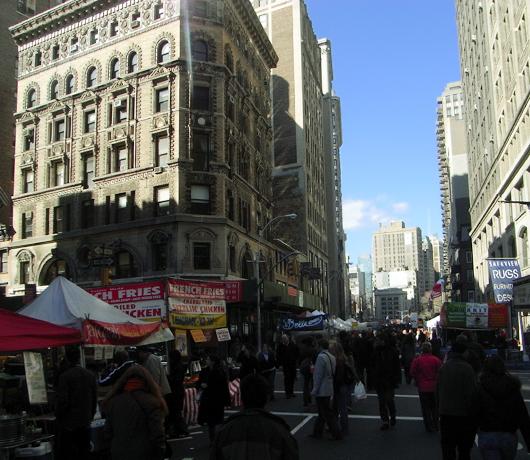 ストリートフェアでFISHS EDDYの大セールに遭遇_b0007805_2401633.jpg