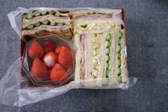 サンドイッチのランチ_a0068339_13255770.jpg