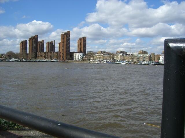 テムズ川の潮の干満_d0127182_10385923.jpg