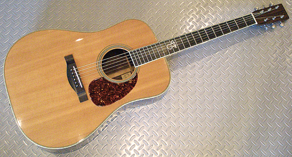 本日は、お買得なAcoustic Guitarを2本御紹介しまっす!_e0053731_17101050.jpg
