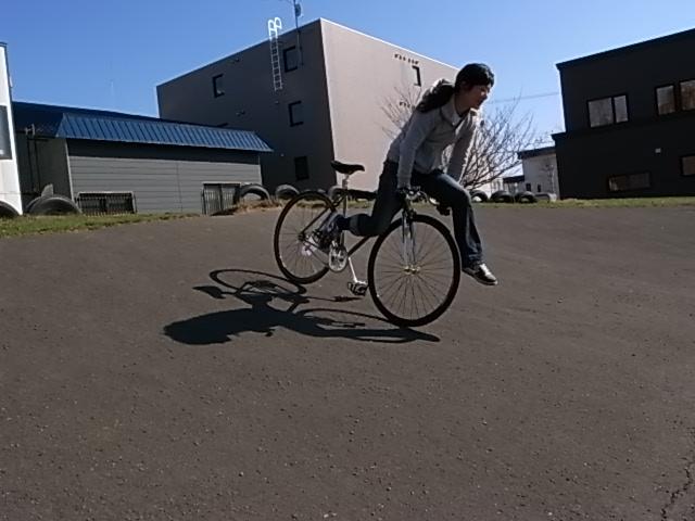 ジンギとサイクリング_e0173533_1742236.jpg