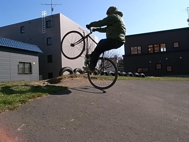 ジンギとサイクリング_e0173533_174256100.jpg