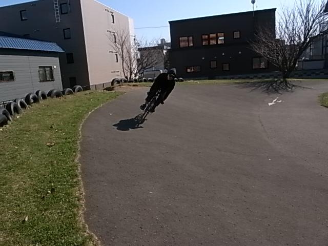 ジンギとサイクリング_e0173533_17432154.jpg