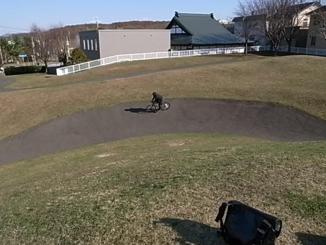 ジンギとサイクリング_e0173533_17565467.jpg