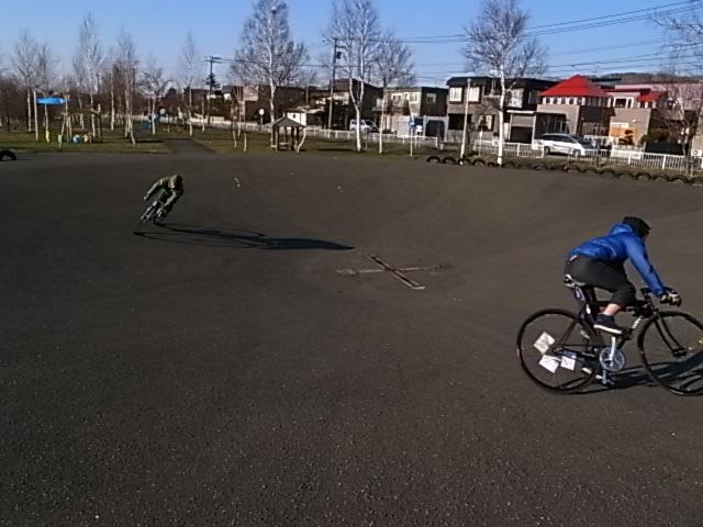 ジンギとサイクリング_e0173533_189891.jpg