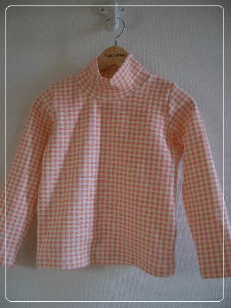 リブニットで娘用ハイネックTシャツ_f0038377_12355100.jpg