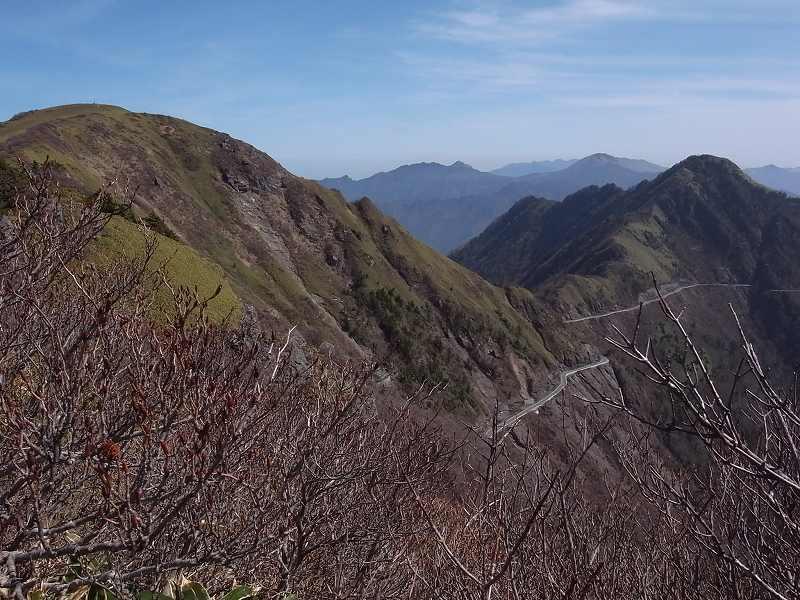 4月18日、瓶ヶ森登山_f0138096_2363792.jpg