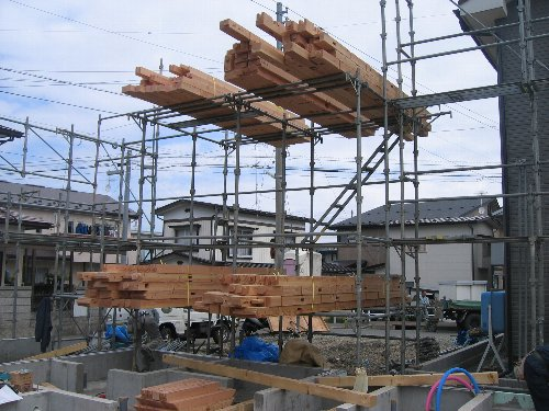 土台敷き・1階建て方_b0165417_740283.jpg