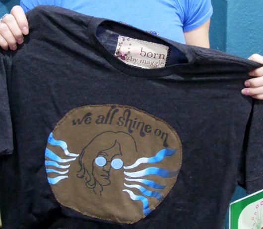 古いTシャツを蘇らせる天使のお店 reborn by Maggie _b0007805_136113.jpg