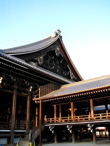 西本願寺 御影堂_e0048413_21193846.jpg
