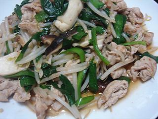 豚と野菜のオイスターソース炒めと切り干し大根_c0025217_16405821.jpg
