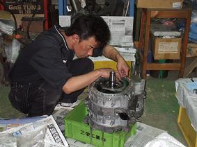 REエンジン組み付け ①_b0138552_22475735.jpg