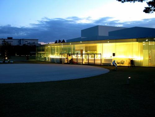 金沢「金沢21世紀美術館」と「グリルオーツカ」_f0169341_230260.jpg