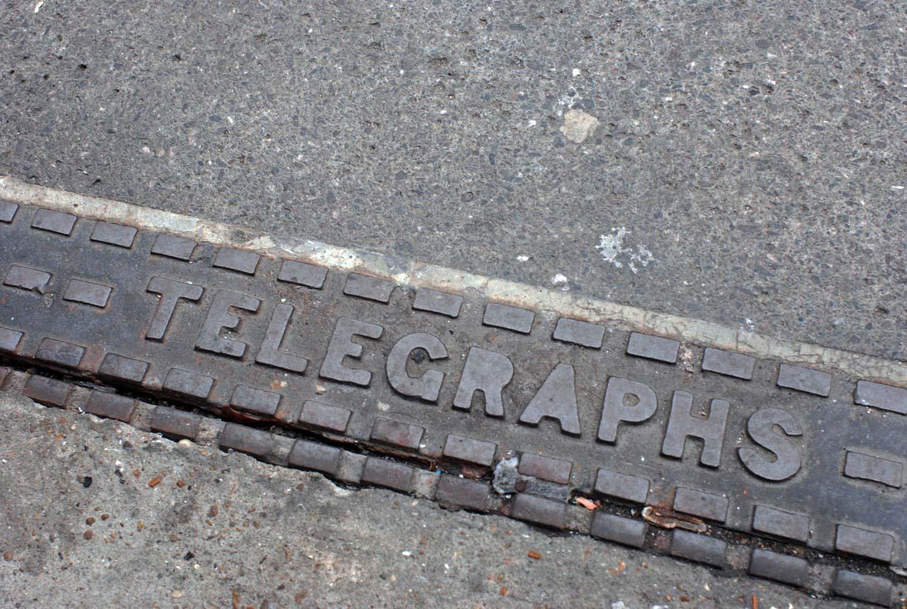 街角の文字 東京 ロンドン_e0175918_19451761.jpg