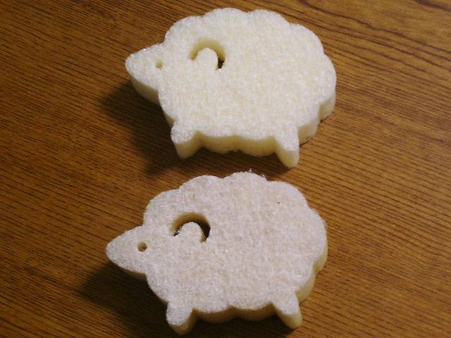★白いスポンジ   ~白い羊のキッチンスポンジ~_b0163750_1858472.jpg