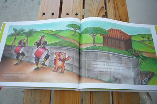 a lovely picture book._c0153966_21322299.jpg