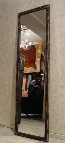 アジのある小さめの木製台と、木枠のミラー入荷!_a0096367_215823100.jpg