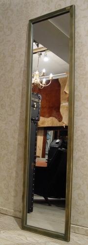 アジのある小さめの木製台と、木枠のミラー入荷!_a0096367_21584079.jpg
