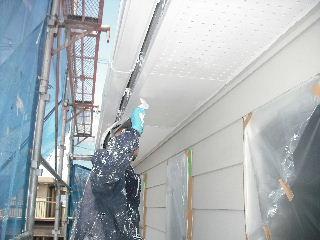 塗装工事5日目・・・外壁塗装開始_f0031037_2262880.jpg