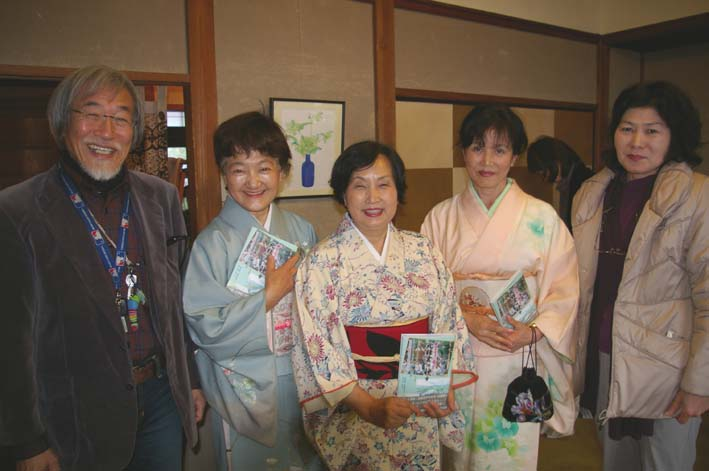 北鎌倉の神々大健闘!カジュ祭で16部販売_c0014967_13534075.jpg