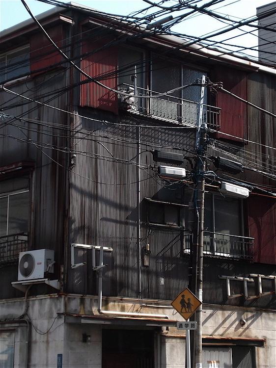 三階建て家屋_c0156717_624219.jpg