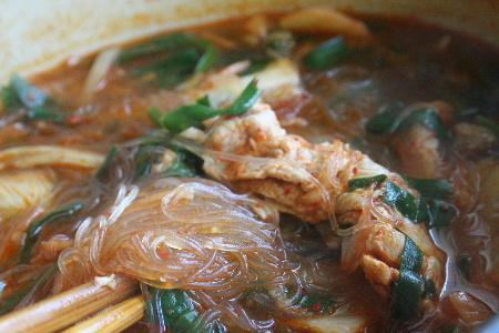 キムチ春雨スープ・・・・元気チャージ&ヘルシー_f0141419_16161710.jpg