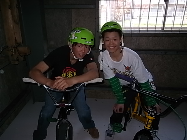BMX HOT BOWL SESSION_e0173533_19242589.jpg