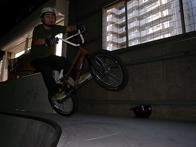 BMX HOT BOWL SESSION_e0173533_1965578.jpg