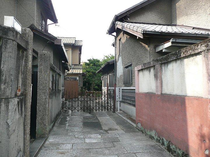 春田文化集合住宅_c0112559_11173556.jpg