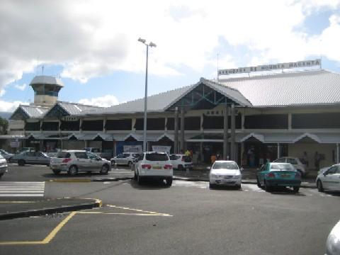 ニューカレドニアの青い空(3)眺めの良いアジアンレストラン@L\'Eternel[Anse Vata/Noumea]_c0013687_11141648.jpg