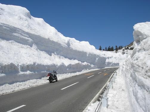 雪の回廊_d0115409_2342929.jpg