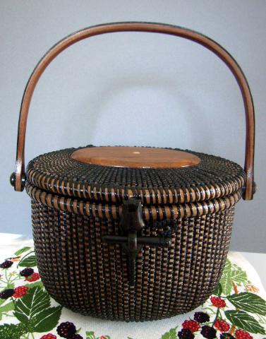 All Black Basket 嫁ぐ日_f0197215_17261438.jpg