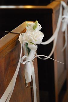 東京 高輪教会 *カラーの祭壇花、初夏の装花たち、そしてチェアフラワー_a0115684_9213197.jpg