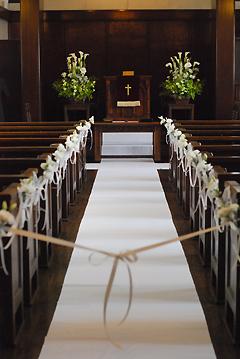 東京 高輪教会 *カラーの祭壇花、初夏の装花たち、そしてチェアフラワー_a0115684_921451.jpg