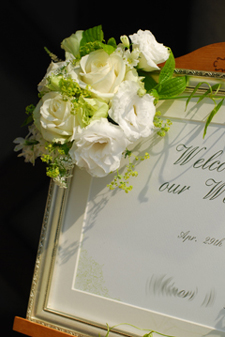 東京 高輪教会 *カラーの祭壇花、初夏の装花たち、そしてチェアフラワー_a0115684_922256.jpg