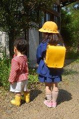 幼稚園へ_d0113490_21455933.jpg