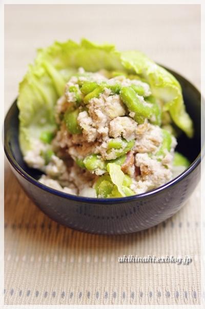 そらまめとおからのサラダ と 海鮮丼_f0179404_21484565.jpg